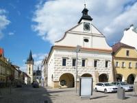 Dvůr Králové nad Labem - kostel, radnice